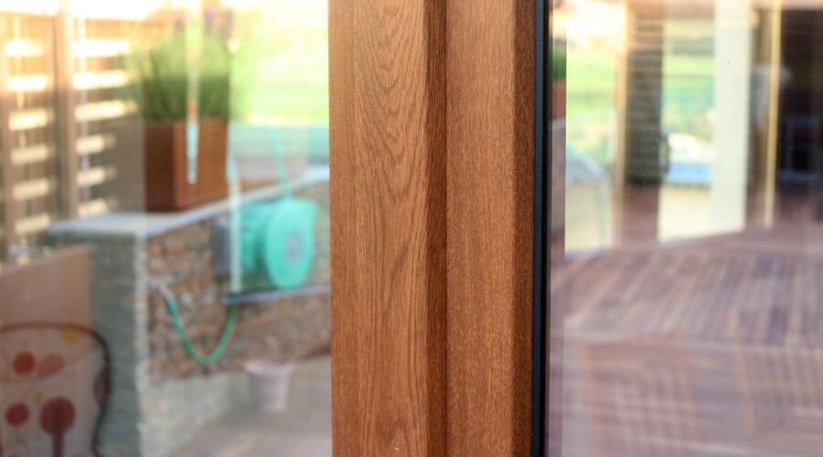 Detall exterior de tancament de PVC